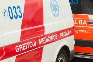 Po avarijos keleivė neteko sąmonės, ją gelbėjo medikai ir ugniagesiai