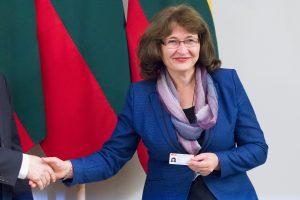 """Į Seimo vicepirmininkus """"valstiečiai"""" siūlys A. Nekrošių ir R. Baškienę"""