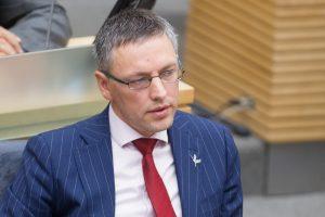 Po kaltinimų vilkinimu Seimas pakeitė komitetą, svarstantį siūlymą didinti baudas