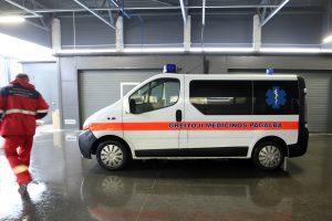 Vilniuje vyrui peršautas skruostas