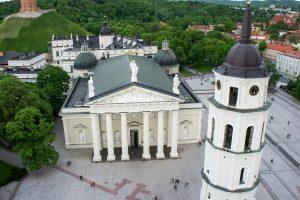 Vyriausybė tikisi, kad popiežiaus vizitas paskatins religinį turizmą