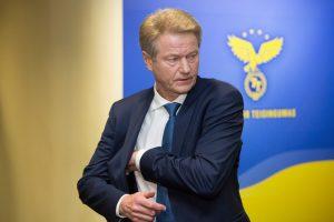 Prieš teismą stoję R. Paksas, G. Vainauskas ir A. Zabulis neigia kaltinimus