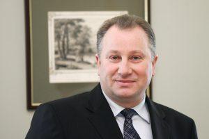 V. Komskis nesulaukė pritarimo siūlymui atleisti administracijos direktorę