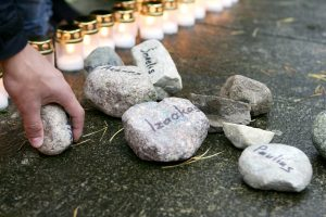 Holokausto aukos vėl bus pagerbiamos skaitant jų vardus