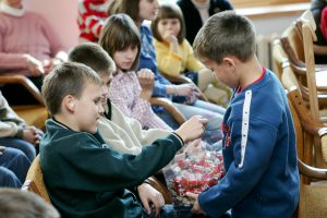 Teismas: Rusijos įstatymas dėl įvaikinimo yra diskriminuojantis
