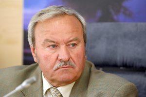 Teismui nepavyksta pakviesti B. Bradausko ir S. Madalovo į bylą