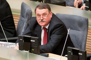 Seimo etikos komisija: nutraukiant neeilinę sesiją procedūra buvo pažeista