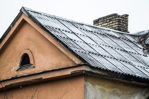 Vilniečių dėmesiui: asbesto turinčios atliekos nuo šiol bus priimamos nemokamai