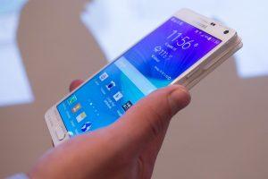 Naujos technologijos neišstumia SMS