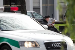 VRM autoūkis neberemontuos policijos mašinų