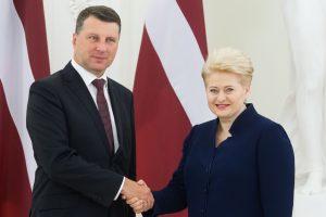 D. Grybauskaitė pasveikino Latvijos prezidentą jubiliejaus proga