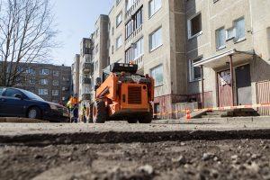 Siūlo teikti pirmenybę kelių remontui, iš dalies finansuojamam gyventojų