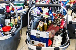Alkoholio prekyba – vis dar po didinamuoju stiklu