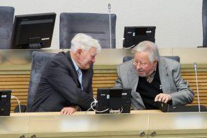 Siūloma teikti dvi Laisvės premijas – V. Landsbergiui ir V. Adamkui