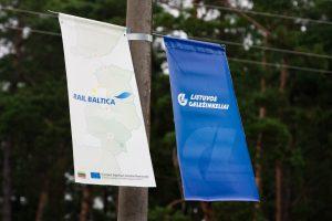 """Praneša apie žemės sklypų paėmimą """"Rail Balticos"""" statybai"""