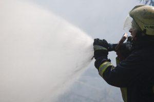 Apleistame Kauno stadione kilo gaisras