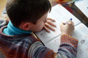 Edukologė: tėvai turi labiau įsitraukti į mokymosi procesą