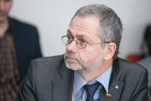 Po mėnesio gydymosi L. Balsys grįžo į darbą Seime