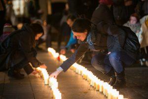 Tūkstančiais degančių žvakučių gyventojai bus skatinami tikrintis nuo vėžio