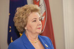 Iš Turniškių iškeldinama K. Brazauskienė: aš nepasitikiu politikais ir įstatymais