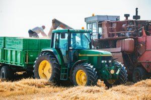 Kretingos rajone pavogė itin brangų traktorių
