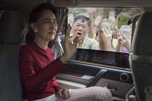 Rinkimai Mianmare: šalis turi vilties išsivaduoti iš armijos diktatūros