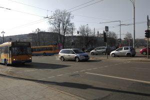 Keisis eismo reguliavimas Kalvarijų – Žvejų – Upės gatvių sankryžoje