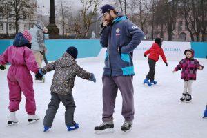 Keičiasi nemokamų čiuožimo pamokų vieta ir laikas