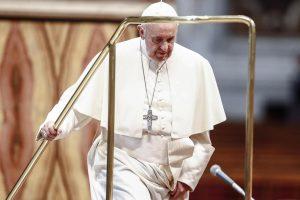 Popiežiaus susitikimui su jaunimu Katedros aikštėje jau montuojama scena
