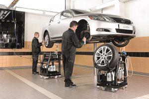 Perkate naudotą automobilį: ekspertai pataria, ką patikrinti