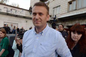 Kipre sulaikytas Lietuvos prieglobstį turintis A. Navalno bendražygis