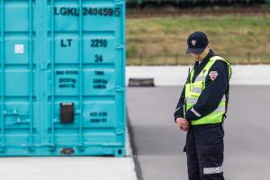 Vilniuje iš jūrinio konteinerio dingo motociklas, seifas ir kiti daiktai