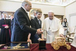 Popiežius priėmė Baltarusijos prezidentą