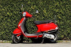 Avarijose sužeisti mopedus vairavę nepilnamečiai