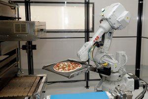 Kalifornijoje robotai įdarbinti picų kepėjais