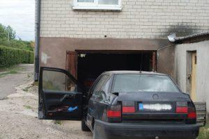 Vilniečio garaže muitinės kriminalistai aptiko kontrabandinių cigarečių