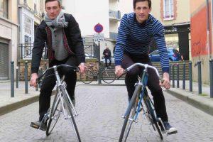 Prancūzų sukurto dviračio rėmas sukiojasi į skirtingas puses