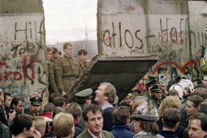 Berlyno sienos dalis – atliekų rūšiavimo įmonėje