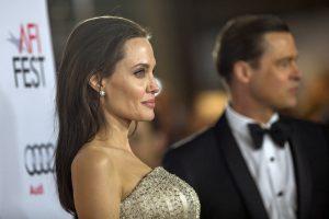 Durys užtrenktos: besiskiriantys A. Jolie ir B. Pittas pardavė namą