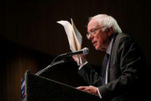 B. Sandersas palaiko H. Clinton tik dėl to, kad sustabdytų D. Trumpą