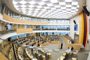 Seimas nesutiko iš Vyriausiosios rinkimų komisijos braukti partijų atstovų