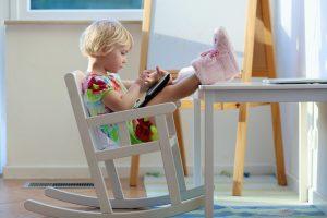 Alfa kartos vaikai: kaip juos auginti ir ugdyti?