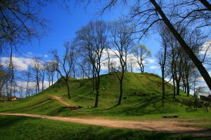 Bus atgaivintas kryžiuočių laikus menantis Ukmergės piliakalnis