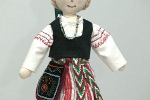 Jaunųjų tautodailininkų konkurse – tekstilė, karpiniai ir skudurinės lėlės