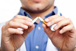 Metas mesti rūkyti: gydytoja pasakoja, kaip reaguos organizmas