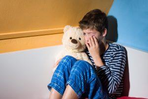 Polinkį svaigintis lemia ir miego stoka vaikystėje