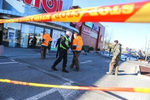Nusikaltėlių grobis – bankomatas ir du sudeginti automobiliai