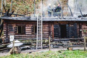 Liaudies buities muziejuje Rumšiškėse sudegė pirtis