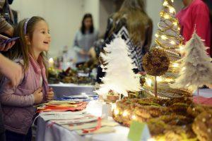 """""""Prie Kūčių stalo"""" – kalėdinio sezono atidarymas kartu su LCC"""