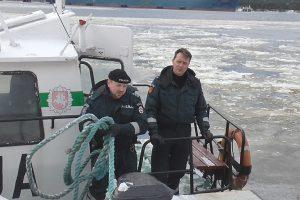 Tarnybą palieka ilgametis Jūrų uosto policijos pareigūnas